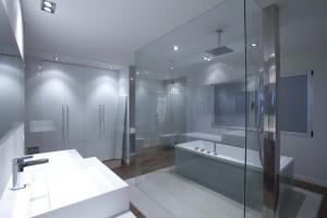 Baño Acristalado del diseñador  Pablo Vidal (Amado Salvador)