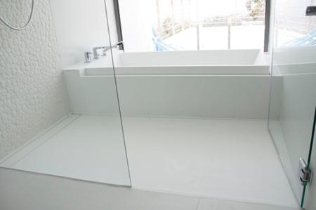 Baño y Ducha unidos de Corian By Dupont