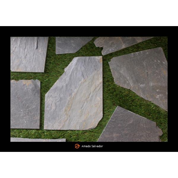 Piedra natural pizarra Planchoncillo Filita Gris Irregular con sierre espesor 2 cm