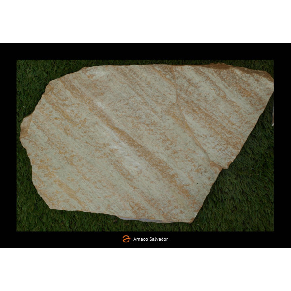 Piedra natural Cuarcita Crema Doseo irregular tamaño grande (8-10 pzas/m2)