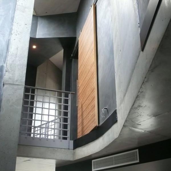 Armazon hoja única revocada para puerta corredera Krona